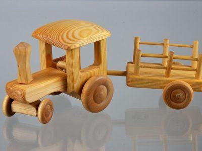 טרקטור עם עגלה